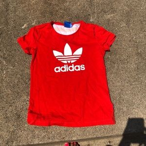 Bright red Adidas top❣️